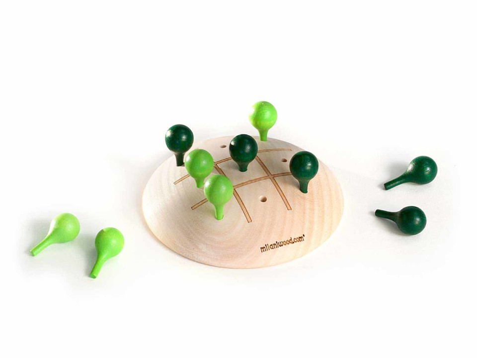 green-tic-tac-toe-sustainable-wooden-toy