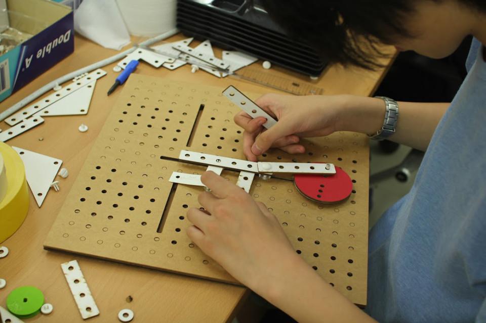 wooden_toys_giocattoli_in_legno_1-960x639.jpg